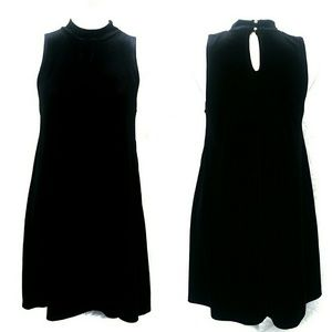 ONE CLOTHING BLACK CRUSHED VELVET MINI DRESS!